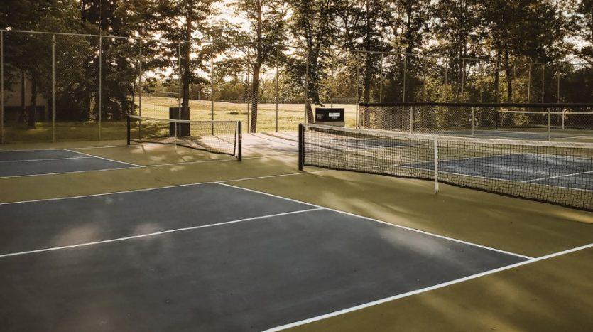 Merivale Gardens Neighbourhood Tennis court amenities